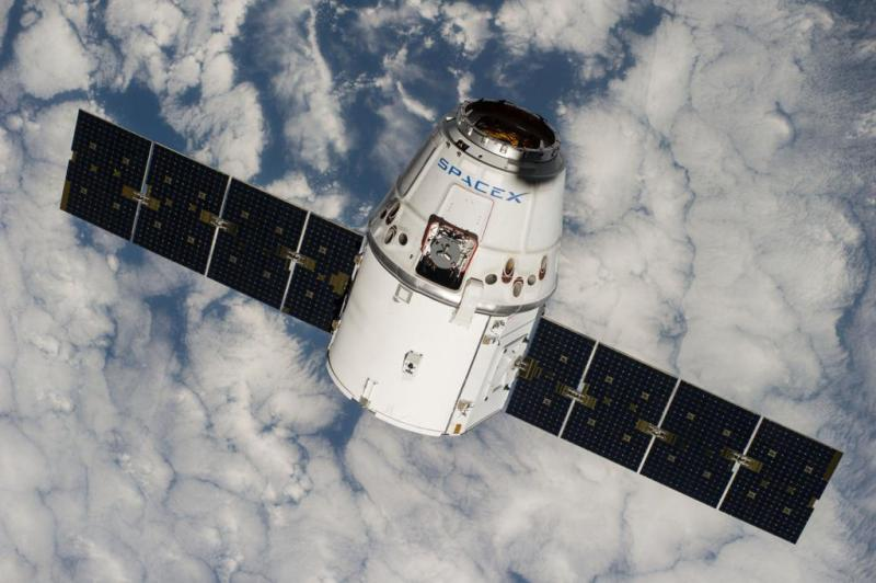 The Dragon capsule holding our experiment  en route to the ISS. Photo by NASA.